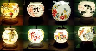 Đèn xông tinh dầu có rất nhiều mẫu mã kiểu dáng cho các bạn lựa chọn