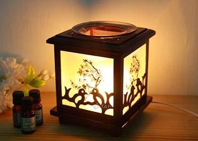 Đèn xông tinh dầu bằng gỗ