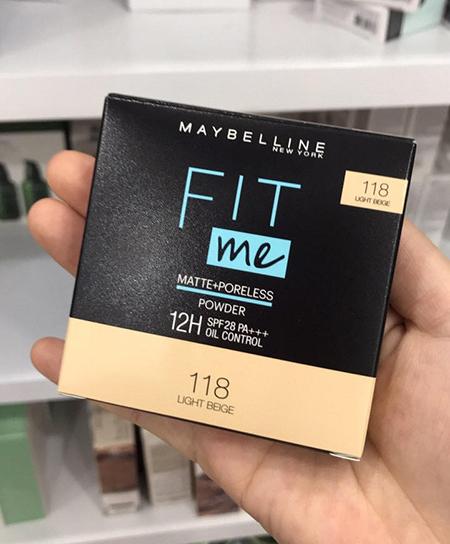 Maybelline Fit Me Matte + Poreless  là dòng sản phẩm được ưa chuộng nhất .